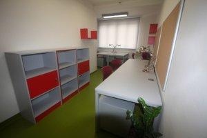 Řetízkové rolety, Francouzské lyceum Praha, realizace Bohemiaflex CS
