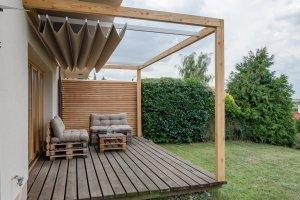 Latin podvěs na dřevěné pergole Naturhouse